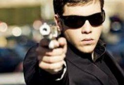timthumb 8 255x175 - Silahlı adam