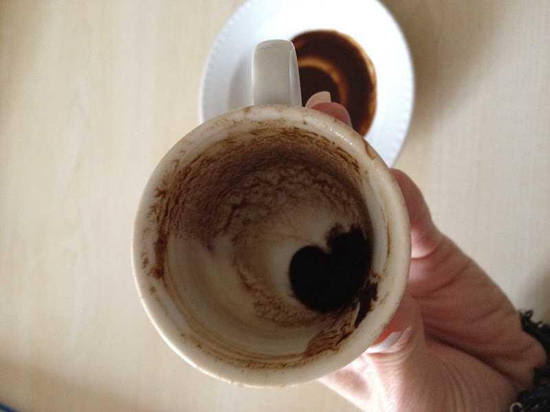 kahve falinda fincanin dibinde kalp gormek - Fincanın Dibinde Kalp