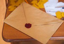 zarf muhurlemek 225x155 - Rüyada Zarf Görmek